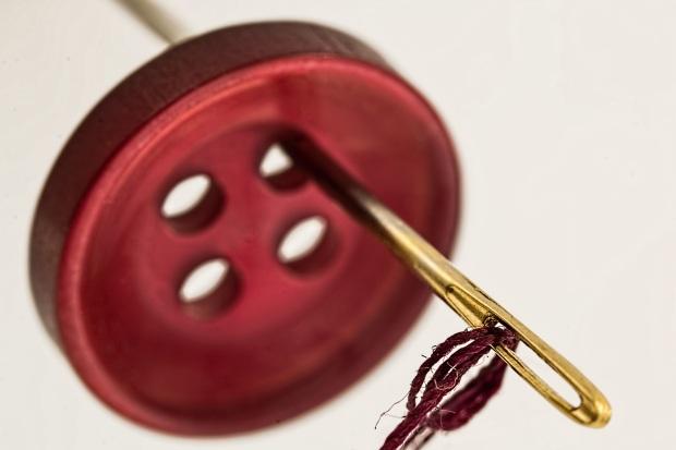 Tsibiah's Sewing School - Thread 101 - Buttonhole Thread