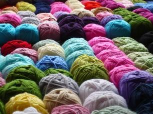 Tsibiah's Sewing School - Thread 101 - Yarn Varieties